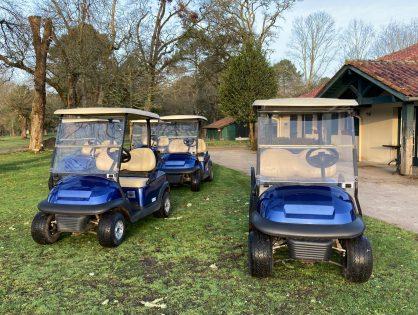 Retour des voiturettes au golf!